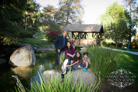 Gorgeous-Family-Portraits-in-Parks-in-San-Diego-Tarsa