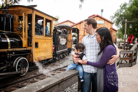 Holiday-Family-Portraits-Baby-Family-and-Train-photo-in-Old-Poway-Park-Hong