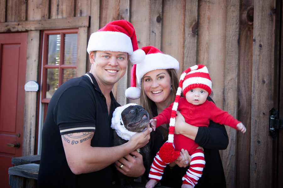 Adorable-Holiday-Family-Portrait-in-Old-Poway-Park